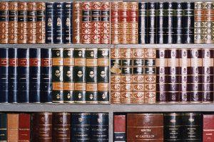 Faux livre pour décor de bibliothèque