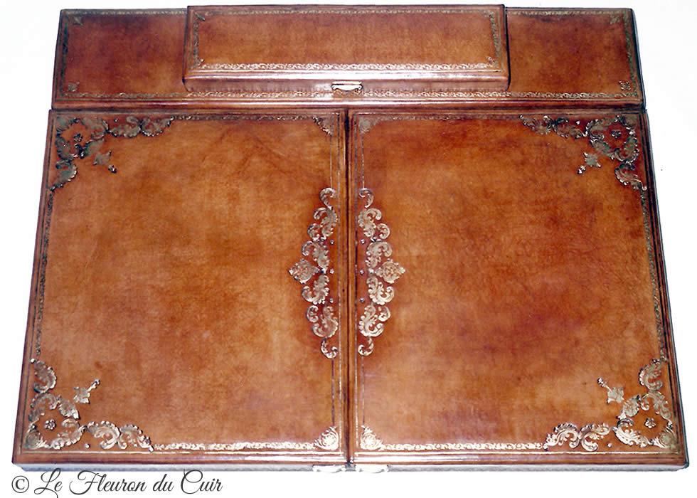 Sous main à volets décor 18e siècle