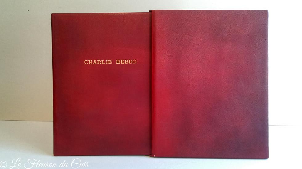 Etui plein cuir sur mesure titré Charlie Hebdo