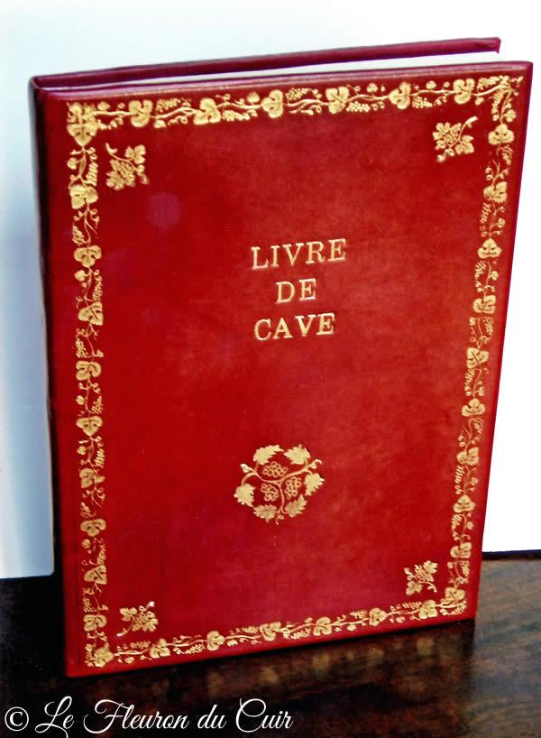 Livre de cave plein cuir et décor 18ème
