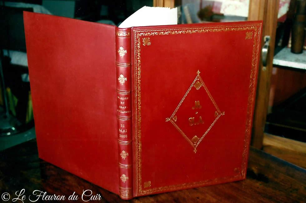 Livre d'or pour mariage plein cuir rouge