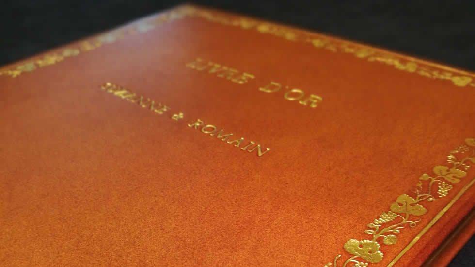 Custom-made Albums & Visitors' Books