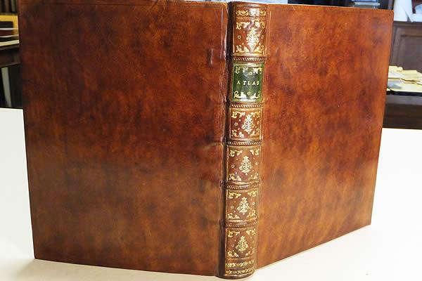 Restauration d'un atlas du 18ème siècle